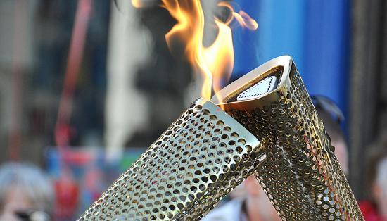 Olympic Torch Kiss (cc Welsh Government Llywodraeth Cymru)