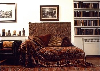 Sigmund Freud's famous couch